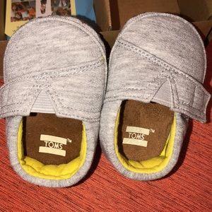 Tom'scrib shoes